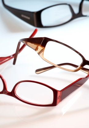 the history of eyeglasses The first wearable glasses were made in italy around 1285-1289 they were  crude and clumsy and were improved not earlier than the 18th century.